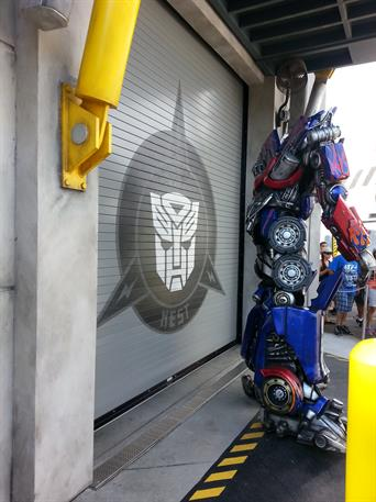 Cookson_Transformers-OptimusPrime_Graphics-Door_Universal-Orlando